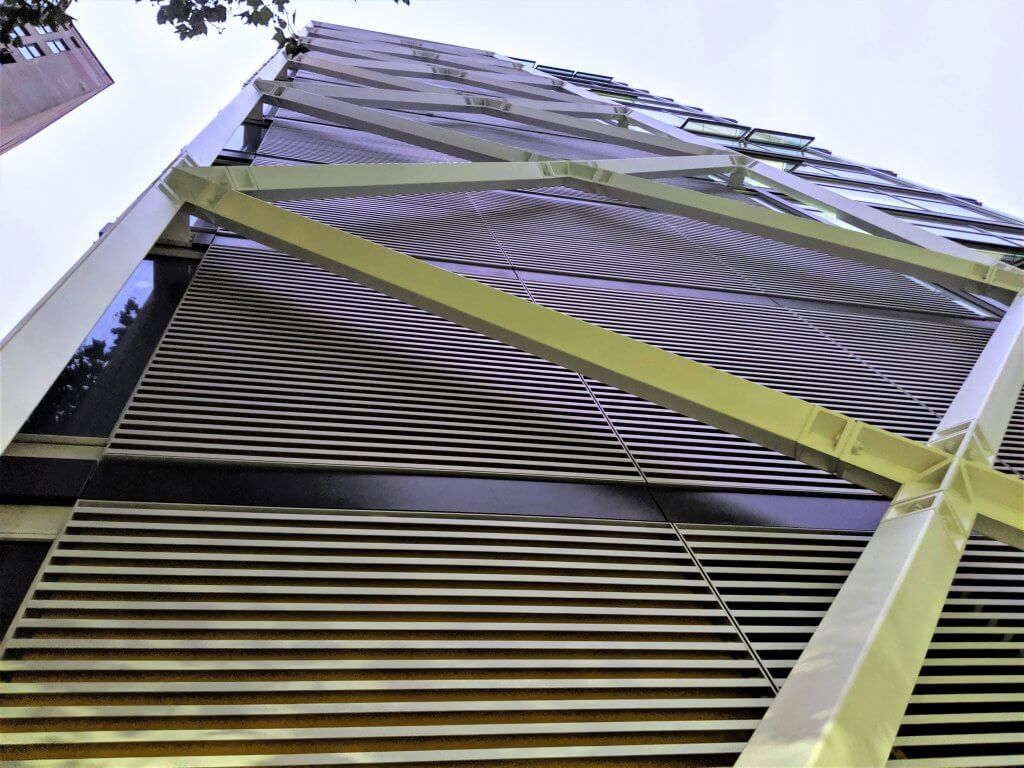 CENTRE BUILDING OPENS FOR LSE